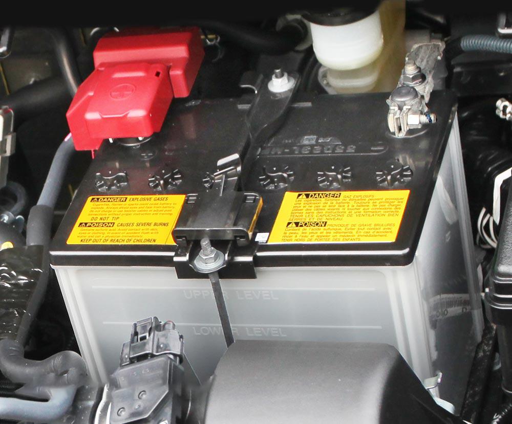 چه موقع به تعویض باتری ماشین نیاز داریم؟